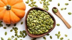13 lợi ích của hạt bí xanh đối với sức khỏe