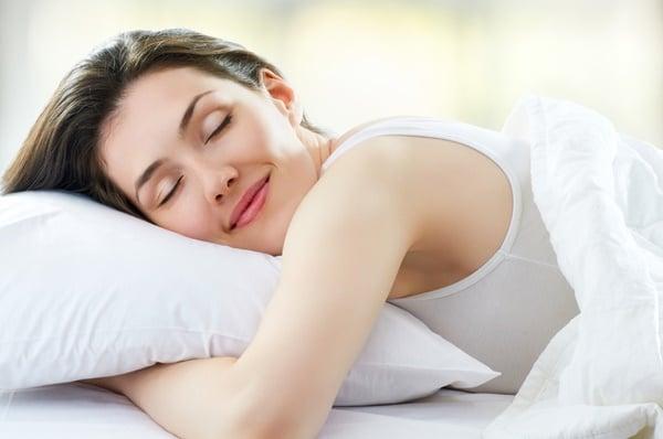Ăn hạt óc chó giúp ngủ ngon, sâu giấc hơn